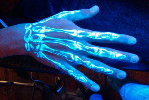 fluorescencyjna farba dla ciała
